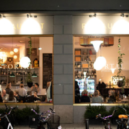 portal restaurang stockholm fasad